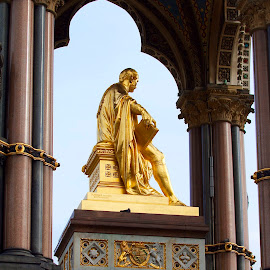 by James Blyth Currie - Buildings & Architecture Statues & Monuments