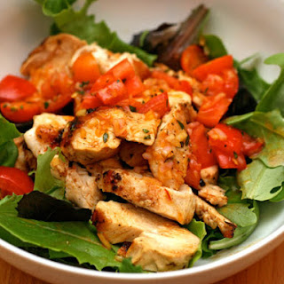 Chicken with Tomato-Saffron Vinaigrette with Mixed Greens