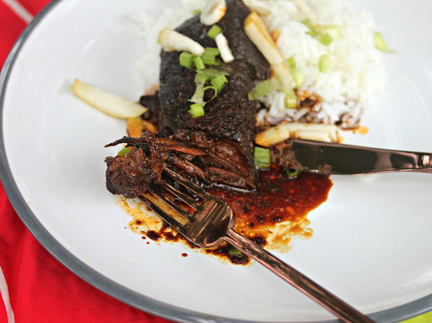 Slow-Cooked Korean Short Ribs With Green Onion and Pear Recept ...
