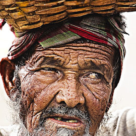 The Beauty of Age by Tim Searle - People Portraits of Men