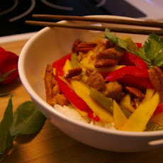 Stir-Fried Chicken With Mango and Peppers