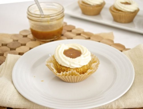 Salted Caramel Carrot Cupcakes with Vanilla Bean Mascarpone Frosting ...