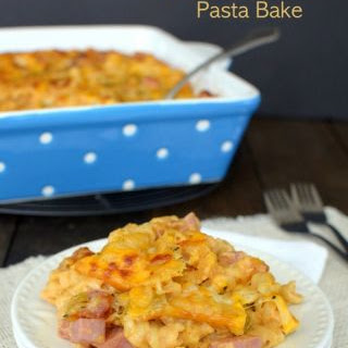 Cheesy Hawaiian Barbecue Pasta Bake