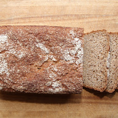 Kneadlessly Simple's 100% Whole Wheat Honey Bread
