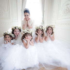 Angels and Bride by Noel Wong - Wedding Groups