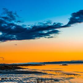 Couché de soleil a Cacouna by Bertrand Lavoie - Landscapes Sunsets & Sunrises ( couché de soleil, cacouna, sunset )
