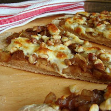 Gourmet Pear, Walnut & Gorgonzola Pizza