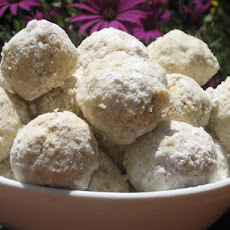 Tropical Hawaiian Snowballs (Hawaiian-Style Russian Tea Cookies)