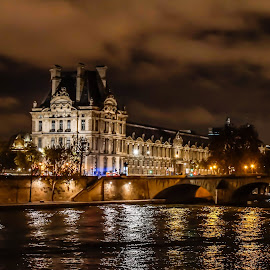 Louvre by night by Charles Paulus - Buildings & Architecture Public & Historical ( paris )