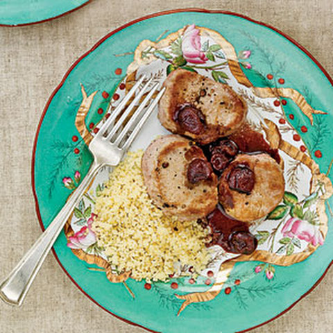 Pork Medallions with Cherry Sauce Recept | Yummly