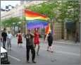 Bisexualität : Regenbogen Fahne bei gay pride Party
