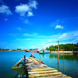 little harbour by Ahmad Baihaqi - Landscapes Travel ( traveling, indonesia, sea )