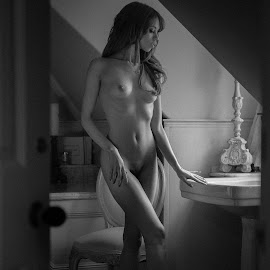 by Victor Harris - Nudes & Boudoir Artistic Nude