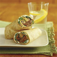 Sliced Filet Mignon Wrap with Pear-Onion Relish and Blue-Cheese Dressing