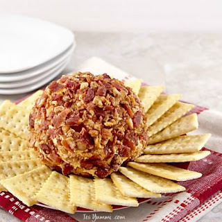 Bacon Chipotle Cheddar Cheese Ball