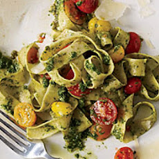 Whole-Wheat Fettuccine with Arugula Pesto