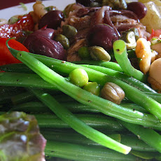 Cold String/Green Bean Salad With Pine Nuts and Currants