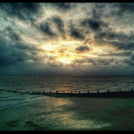 Southend on Sea by Will Jackson - Instagram & Mobile Android