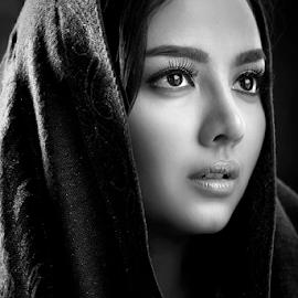 Putri by Ivan Lee - People Portraits of Women ( canon, model, girl, beauty )