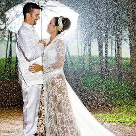 in the rain by Norman Loverz - Wedding Bride