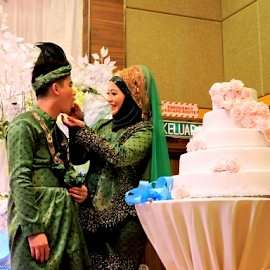 Cake cutting by Yusop Sulaiman - Wedding Ceremony