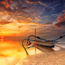 burning clouds by I Made  Sukarnawan - Landscapes Sunsets & Sunrises ( clouds, sunset, sunrise, boat, morning, , HDR, Landscapes )