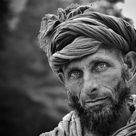Nomads from Kashmir... by Ravindra Tanwar - People Portraits of Men ( kashmir, india, men, portrait )
