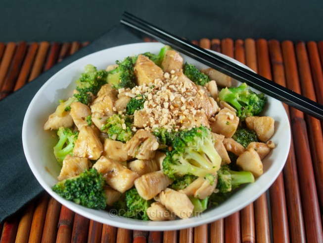 Thai Chicken Stir-Fry With Spicy Peanut Sauce Recipe | Yummly