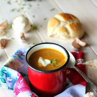 Pumpkin Soup with Garlic and Thyme