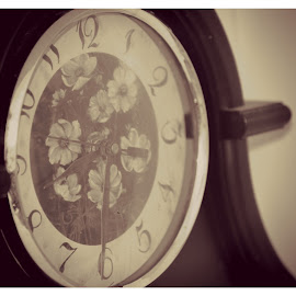 Time Flies by Kristen Dustin - Artistic Objects Antiques ( time, clock, artistic, old clock, antique )