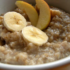Breakfast Oatmeal With Banana and Appel
