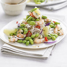 Rice Noodles With Prawns, Edamame & Grapefruit