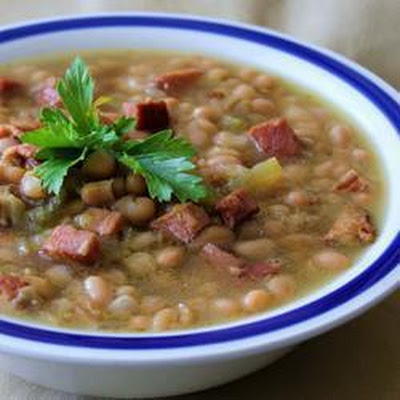 Slow Cooker Bacon and Bean Soup