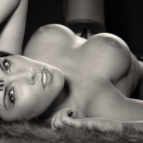 Look into my eyes by Reto Heiz - Nudes & Boudoir Artistic Nude ( studio, sexy, femalse, nude, partly nude,  )