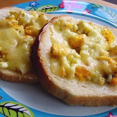 Scrambled Eggs With Cheddar on Toast