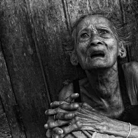by Ismanto Lungsi - People Street & Candids