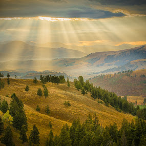 Yellowstone at Dawn by Paul Runze - Landscapes Sunsets & Sunrises ( clouds, yellowstone, sunrise, landscape, rays,  )