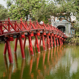 by Helen Fung - Buildings & Architecture Bridges & Suspended Structures ( hanoi, vietnam, bridge, hoan kiem lake )