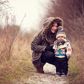 Isaac & Mummy  by Claire Conybeare - Chinchilla Photography - People Family