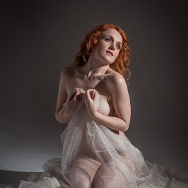 Captured by the light by Peter McLean - Nudes & Boudoir Artistic Nude ( red hair, low key, shawl, pale, highlighted, shadows, spotlight )