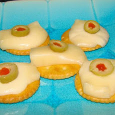 Cheesy Ritz Cracker Melts