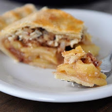 Toffee Crumble Apple Pie