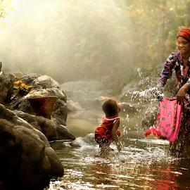 Washing In The River by Pimpin Nagawan - People Street & Candids