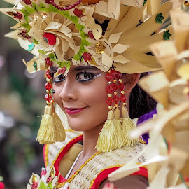 Carnival by Dodot Sumiargo - People Musicians & Entertainers ( portraits of women )