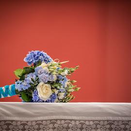 Wedding bouquet by Daniel Charlton - Wedding Details ( bouquet, details, wedding bouquet, wedding, flowers, flower )