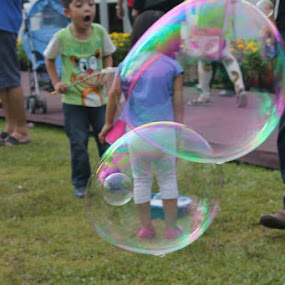 The Bubbles by Shafiq Azli - Babies & Children Children Candids