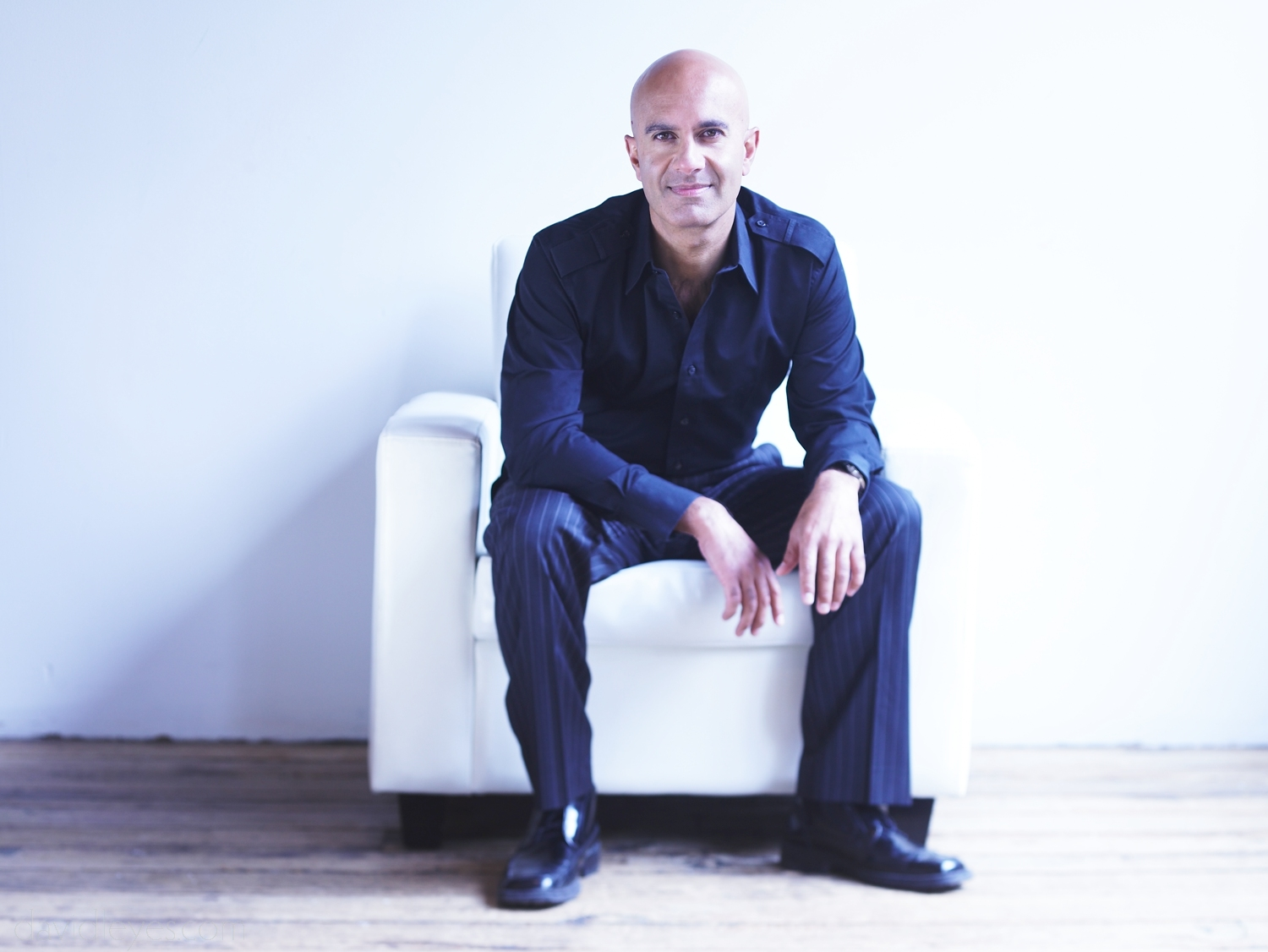 Robin Sharma - famous motivational speakers