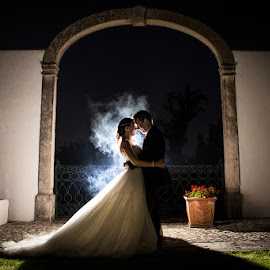 Smoke by Valter Antunes - Wedding Bride & Groom ( noivos, wedding, bride, groom, casement )