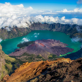 The Hidden Volcano by Faldhy Boer - Landscapes Mountains & Hills ( lombok, rinjani )