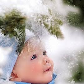 :-) by Dominik Horvath - Babies & Children Child Portraits